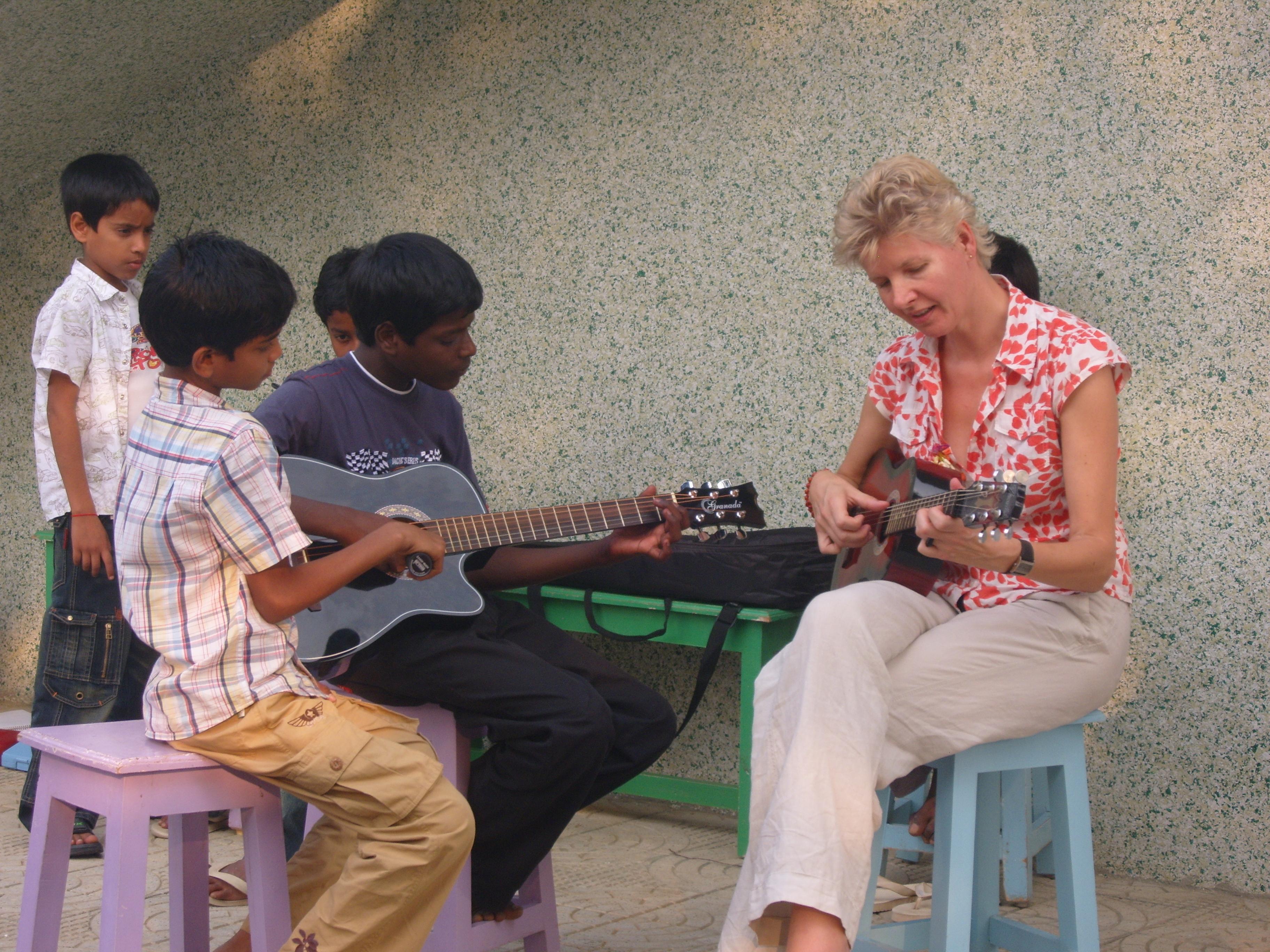 een gitaarduet met Ramu