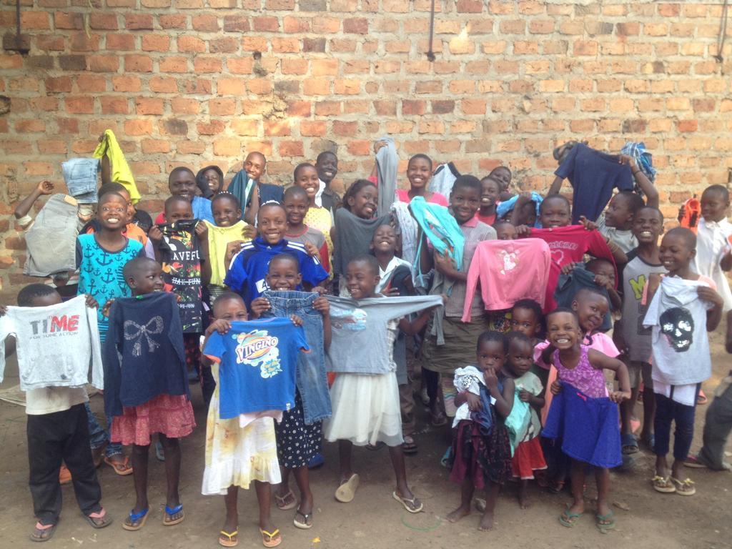 Kleding van BOE bij project Ggaba